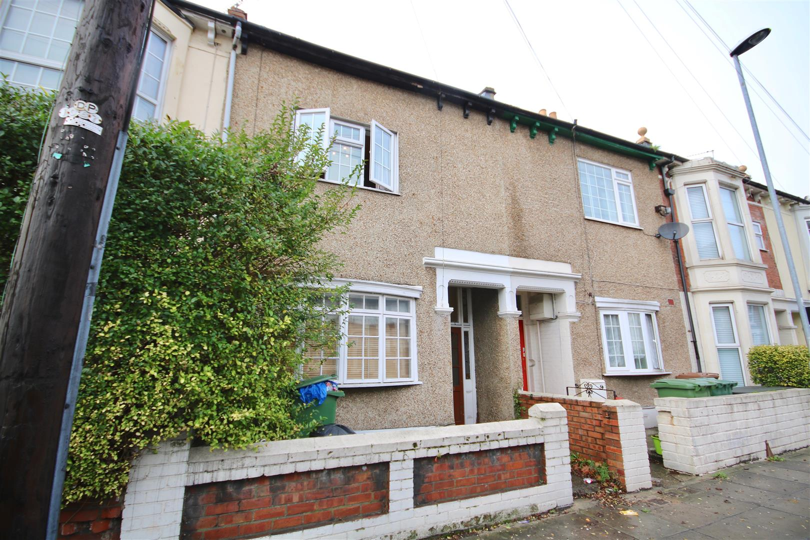 6 Bedrooms Terraced House for rent in Lawrence Road, Southsea